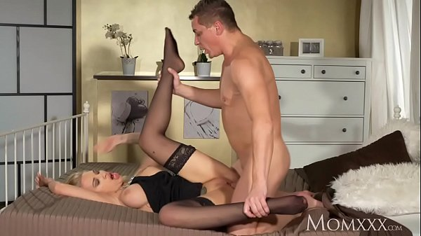 Submissive, Blonde mom