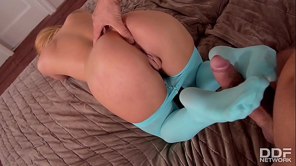 Vixen, Pantyhose ass, Flexible